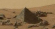Lets tilt the angle and zoom in. BOOM! now it's a pyramid on Mars.
